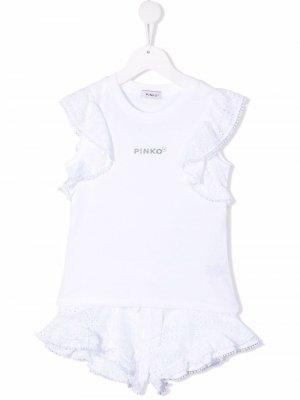 Комбинезон с английской вышивкой Pinko Kids. Цвет: белый