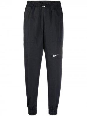 Спортивные брюки с завышенной талией и логотипом Nike. Цвет: черный