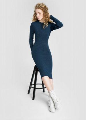 Вязаное платье миди в рубчик O`Stin. Цвет: темно-бирюзовый