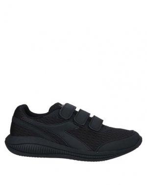 Низкие кеды и кроссовки DIADORA. Цвет: черный