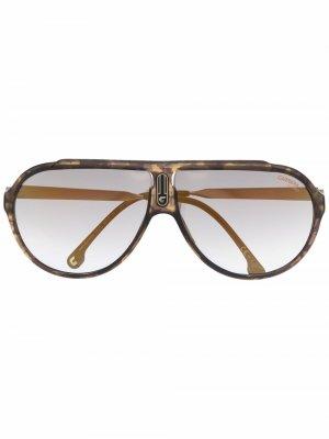 Солнцезащитные очки-авиаторы черепаховой расцветки Carrera. Цвет: золотистый