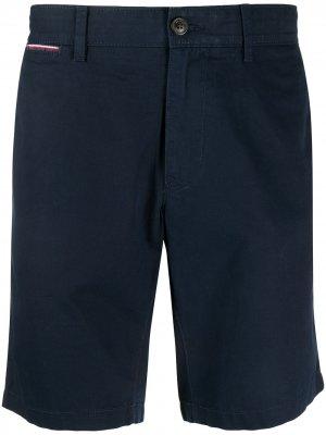 Шорты с карманами на пуговицах Tommy Hilfiger. Цвет: синий
