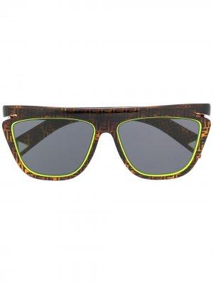 Солнцезащитные очки с логотипом FF Fendi Eyewear. Цвет: коричневый