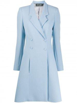 Двубортное пальто средней длины Styland. Цвет: синий