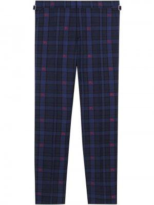 Классические брюки в клетку Burberry. Цвет: синий