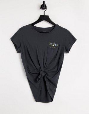 Черная футболка с цветочной вышивкой на кармане -Черный цвет Abercrombie & Fitch