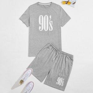 Мужская футболка с текстовым рисунком и спортивные шорты SHEIN. Цвет: светло-серый