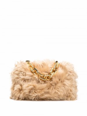 Меховая сумка на плечо Chain Pouch Bottega Veneta. Цвет: нейтральные цвета