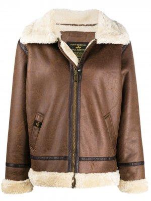 Куртка-бомбер из шерпы Alpha Industries. Цвет: коричневый