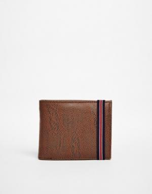 Бумажник на резинке New Look. Цвет: коричневый