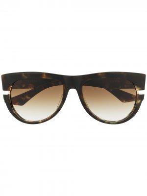 Солнцезащитные очки в массивной оправе Dita Eyewear. Цвет: коричневый