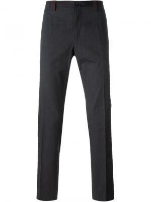 Классические брюки Dolce & Gabbana. Цвет: серый