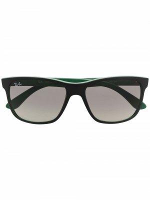 Солнцезащитные очки в квадратной оправе Ray-Ban. Цвет: зеленый