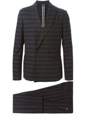 Классический костюм в полоску Paolo Pecora. Цвет: серый