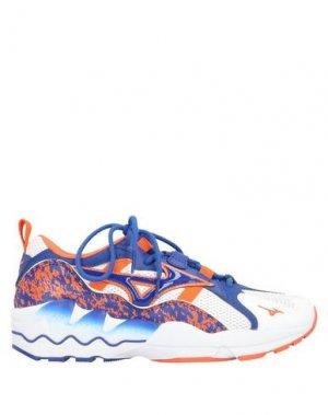 Низкие кеды и кроссовки MIZUNO. Цвет: синий