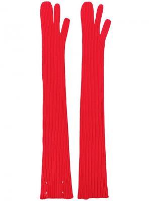 Длинные перчатки в рубчик Maison Margiela. Цвет: красный