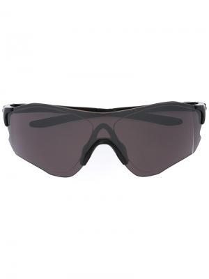 Солнцезащитные очки в квадратной оправе Oakley. Цвет: чёрный