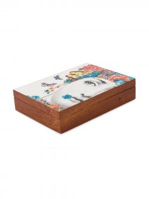 Коробка для хранения с принтом Fornasetti. Цвет: коричневый
