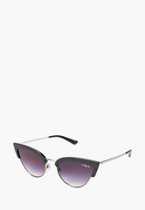 Очки солнцезащитные Vogue® Eyewear VO5212S W44/36. Цвет: черный