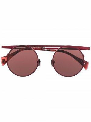 Солнцезащитные очки в круглой оправе Yohji Yamamoto. Цвет: красный