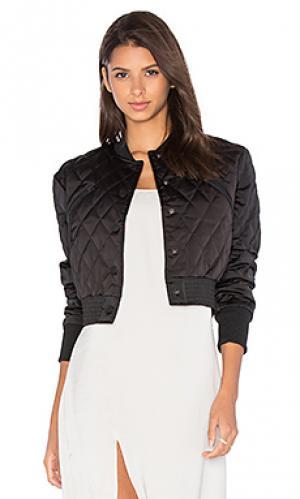 Стеганная атласная куртка-бомбер KENDALL + KYLIE. Цвет: черный