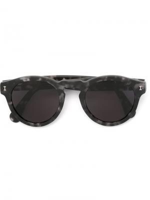 Солнцезащитные очки с круглой оправой Illesteva. Цвет: серый