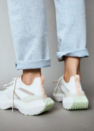 Кроссовки с прозрачными вставками - Push Mango. Цвет: белый