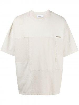 Рубашка с короткими рукавами в технике пэчворк AMBUSH. Цвет: нейтральные цвета