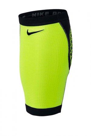 Бандаж Pro Combat Calf Sleeve Nike. Цвет: черный
