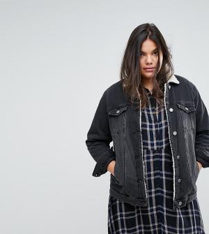 Джинсовая куртка с подкладкой из искусственного меха Simply Be. Цвет: черный