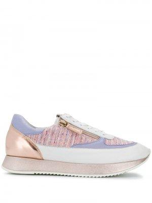 Кроссовки на шнуровке со вставками Hogl. Цвет: белый