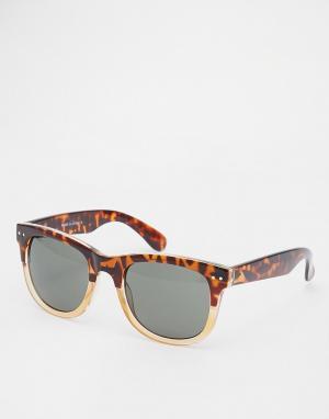 Квадратные солнцезащитные очки в черепаховой оправе River Island. Цвет: серый