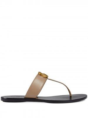 Сандалии с Т-образным ремешком и логотипом Double G Gucci. Цвет: коричневый