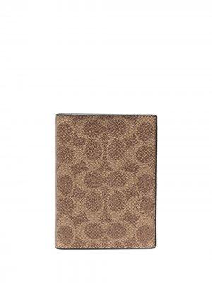 Обложка для паспорта Signature Canvas Coach. Цвет: коричневый