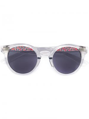 Солнцезащитные очки с принтом на линзах Italia Independent. Цвет: бежевый