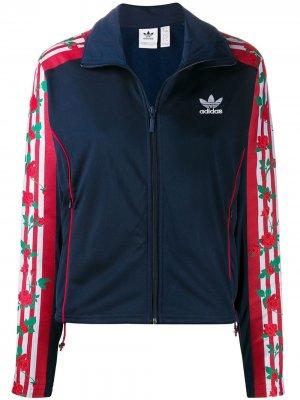 Куртка на молнии с цветочным принтом adidas. Цвет: синий