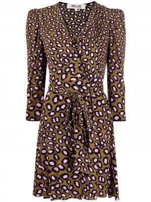 Платье Charlene с запахом и леопардовым принтом DVF Diane von Furstenberg. Цвет: коричневый