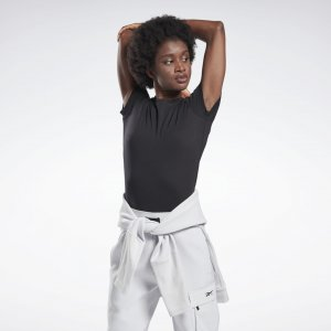 Спортивная футболка GB W COTTON CREW T VCTR Reebok. Цвет: black