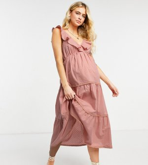 Пыльно-розовый ярусный сарафан миди из ткани добби с расклешенной юбкой ASOS DESIGN Maternity-Розовый цвет Maternity