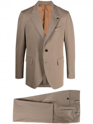 Костюм-двойка с однобортным пиджаком Gabriele Pasini. Цвет: коричневый