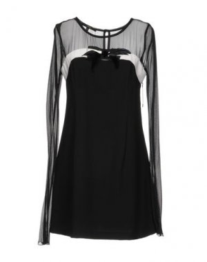 Короткое платье CELYN B.. Цвет: черный