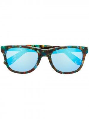 Солнцезащитные очки из коллаборации с Fergus Purcell Vans. Цвет: коричневый