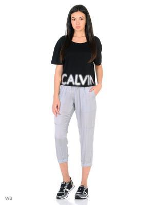 Капри Calvin Klein. Цвет: серый