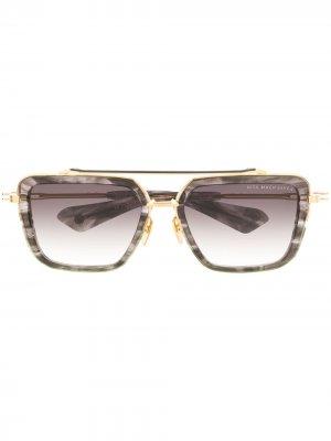 Солнцезащитные очки в оправе черепаховой расцветки Dita Eyewear. Цвет: серый