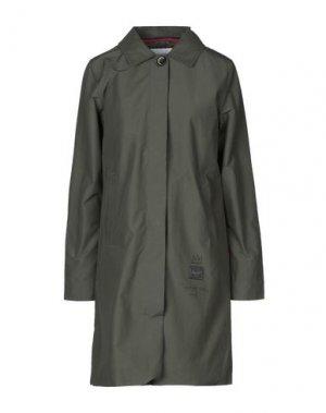 Легкое пальто HERSCHEL SUPPLY CO.. Цвет: зеленый-милитари