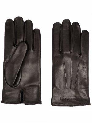 Перчатки с тисненым логотипом Emporio Armani. Цвет: коричневый