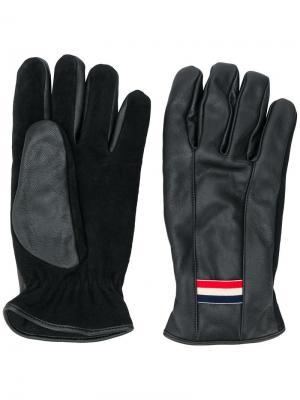 Перчатки с заплаткой логотипом Moncler. Цвет: черный