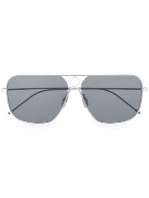Солнцезащитные очки в прямоугольной оправе Thom Browne Eyewear. Цвет: серый