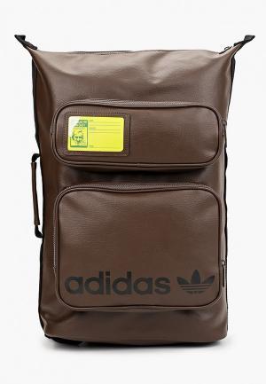 Рюкзак adidas Originals STAN BACKPACK. Цвет: коричневый