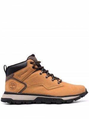Массивные ботинки на шнуровке Timberland. Цвет: коричневый